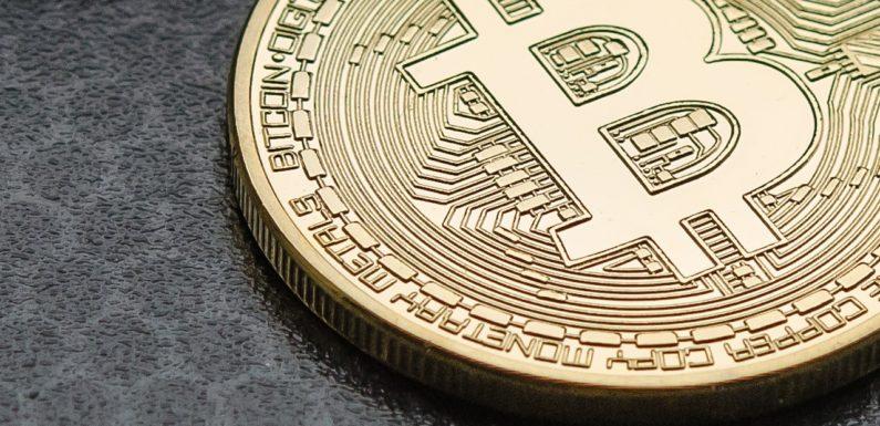 Bitcoin Faces Critical Resistance Level
